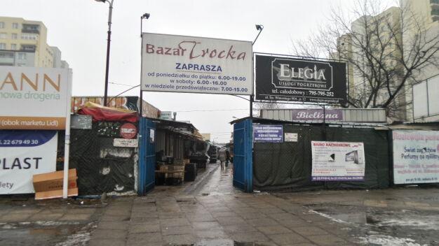 """Metro wyrzuci bazar Trocka. Co z kupcami? """"Sytuacja krytyczna"""""""
